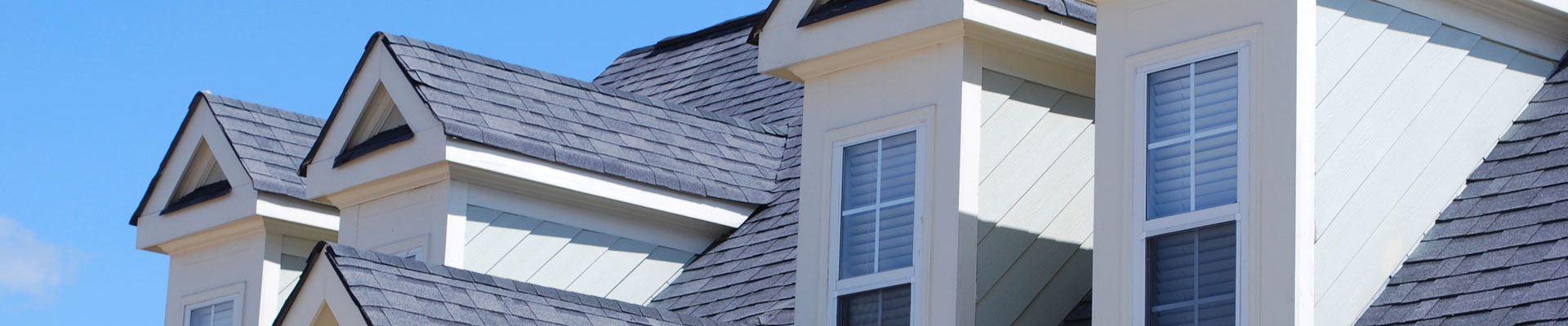 Hiring The Right Commercial Roofing Contractors - Ensuring The Best Service