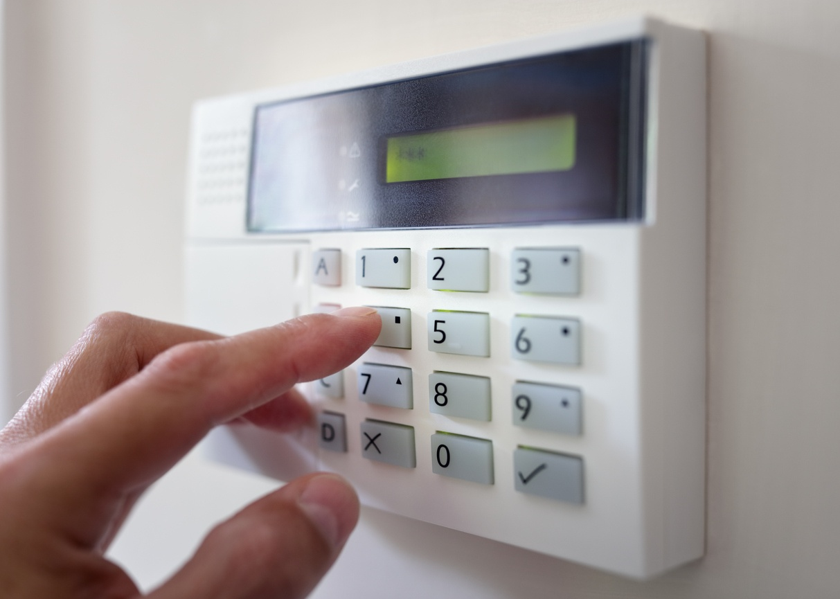 Easy Methods to Make Your Dwelling Secure from Burglars