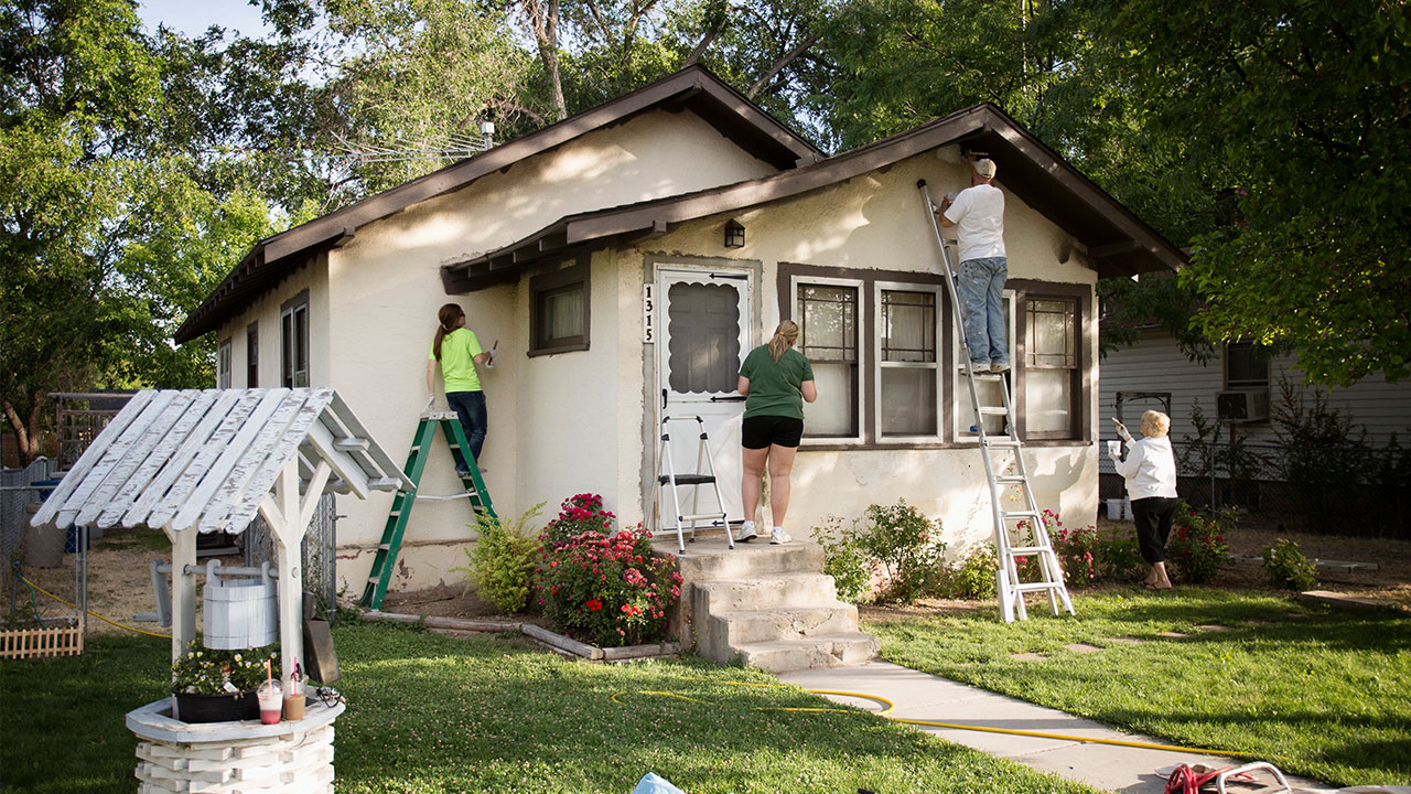 Why You Need Commercial Painters Rather Than Local Residential Painters?